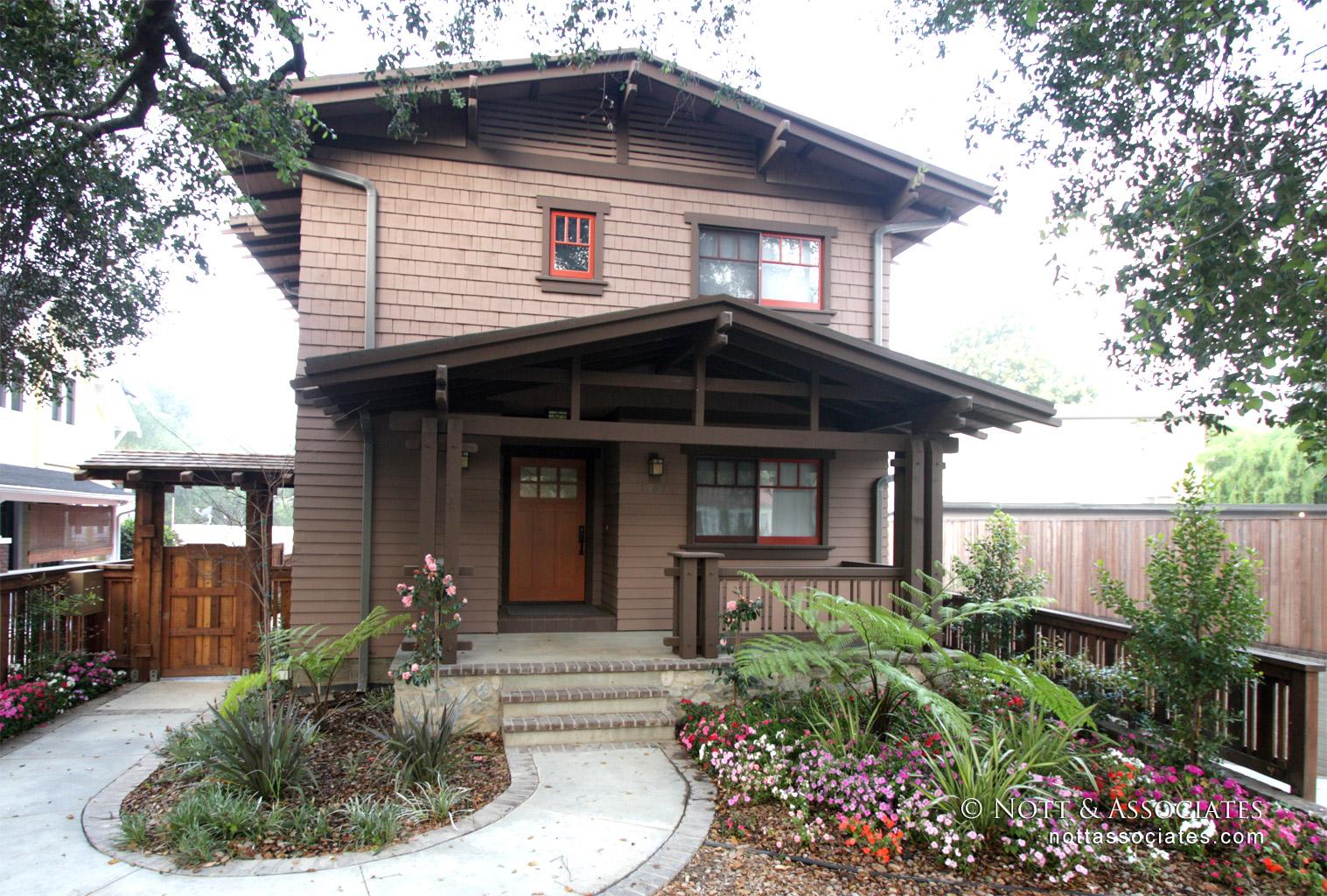 Classic Craftsman style condominium in South Pasadena.