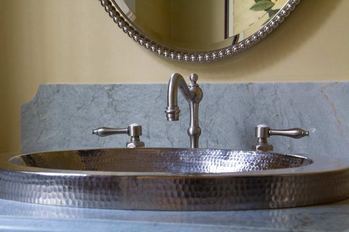 "A powder bath with a ""surface mount sink"""