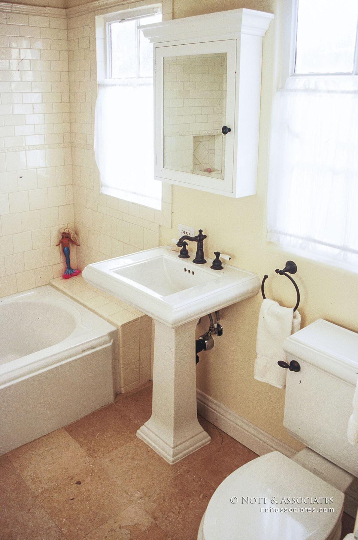 330 Alta Vista Kids Bath-Alex