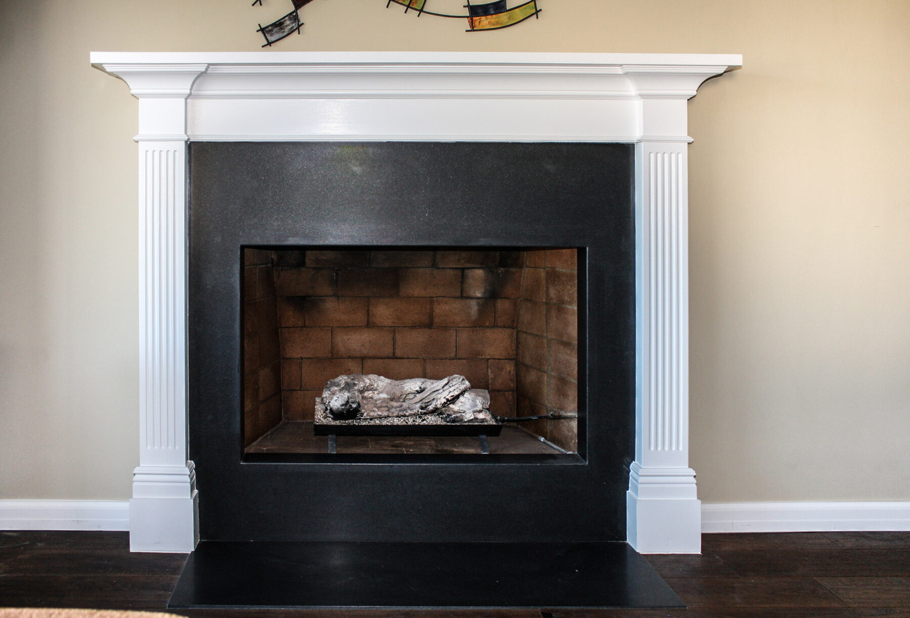 Colonial Fireplace Surround With Black Onyx Slab Hearth