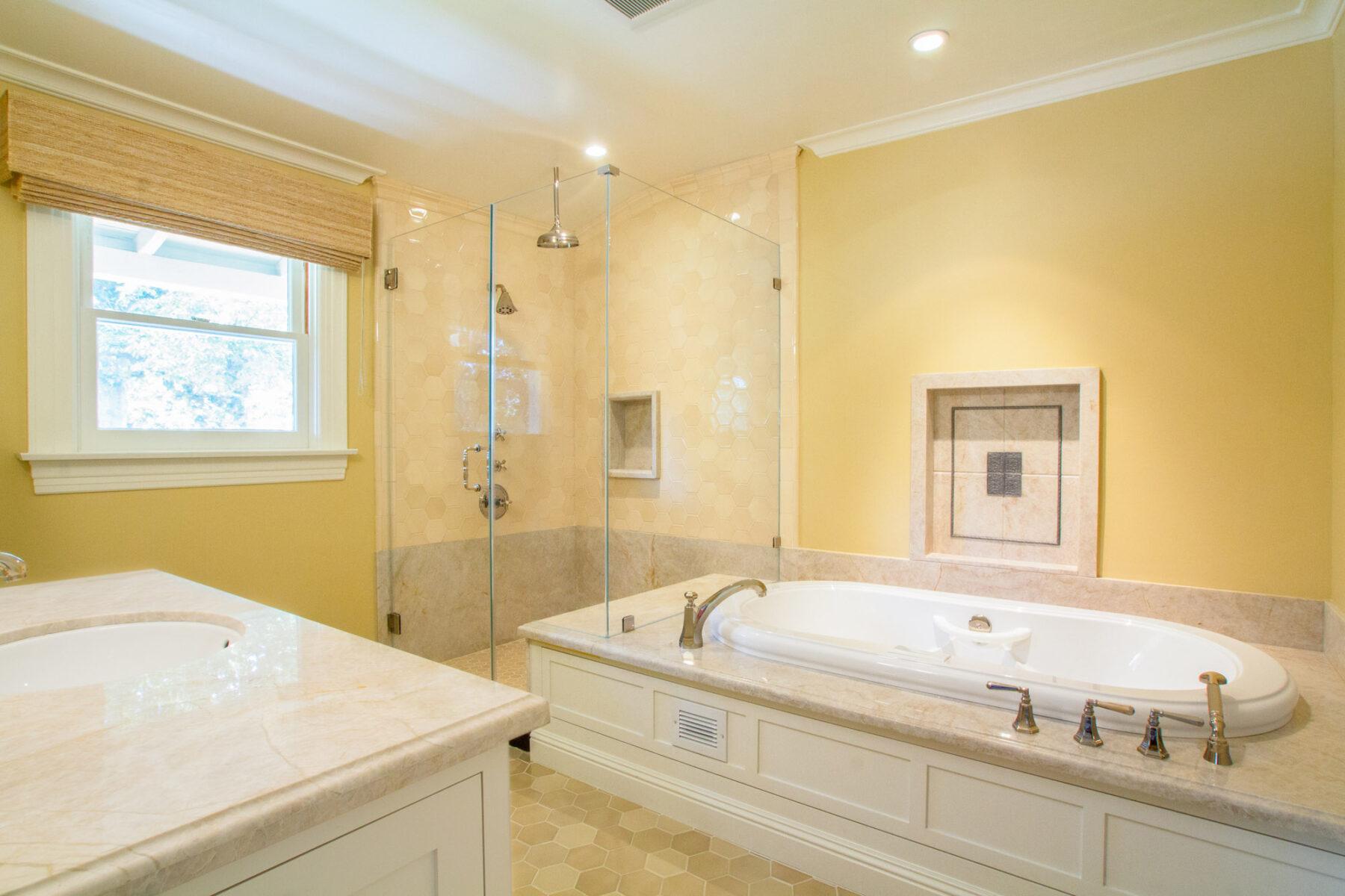 820 Milan Master Bath