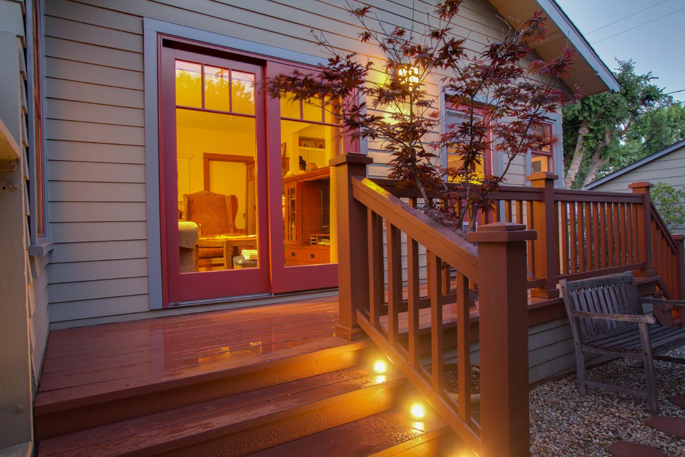 Craftsman detailed Redwood deck
